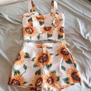 Sunflower Two pieces croptop & shorts set